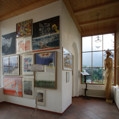 Sbírku umění založil otec dnešního majitele, Stephan Pramstrahler v ní úspěšně pokračuje