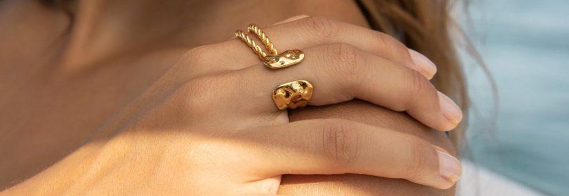 Šperky na léto: Jaké vybrat a jak je nosit?